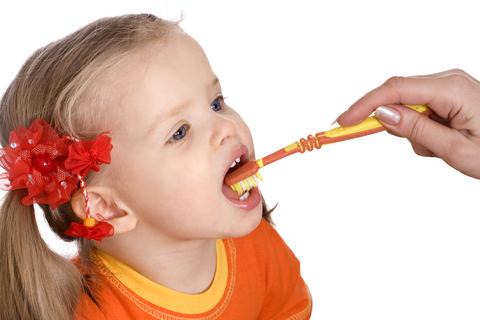 Fluoridvergiftung: Mindestens jedes 10. Kind ist betroffen
