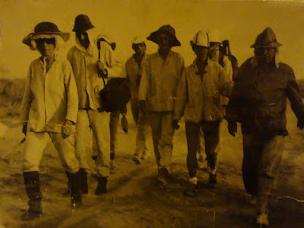 Abbildung. 2: Dr. Galina Schatalova auf einer ihrer Wüstenexpeditionen